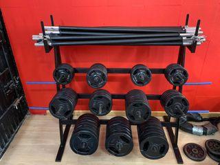 Mueble fitness de pesas con material