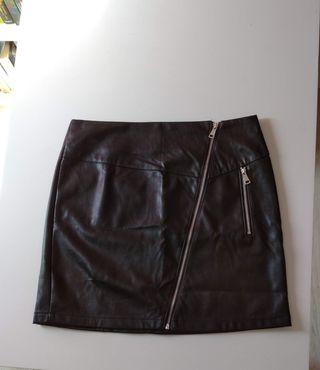 Falda de piel sintética