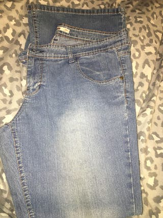 Dorothy Perkins Flared Jeans Size 16s