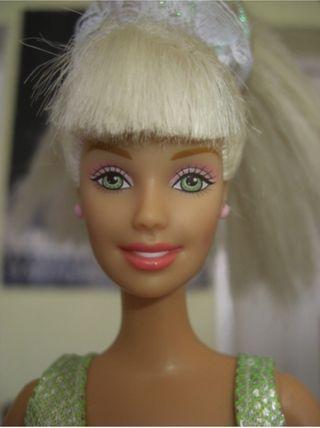 Barbie ojos verdes