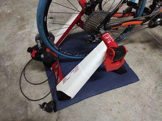 Rueda Gurpil MTB 27.5 y neumático Tacx de rodillo