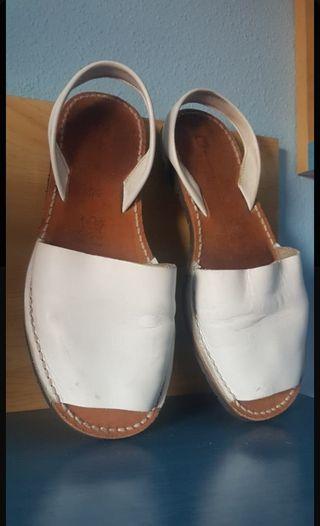 sandalias menorquinas en piel