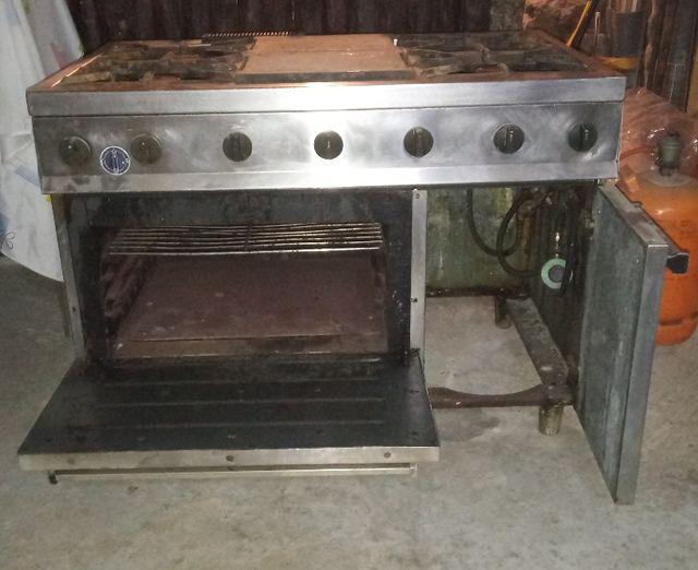 Cocina-horno industriales. Escucho ofertas