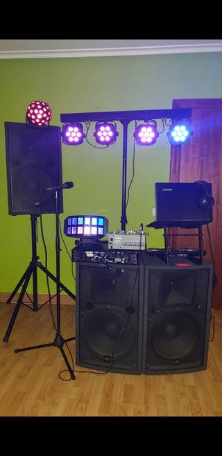 Alquiler de equipo de sonido y luces/DJ
