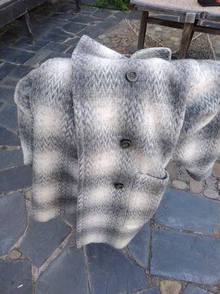 Abrigo 100% lana virgen más gorro de regalo