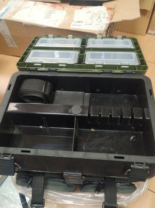 caja de pesca/aparejos Berh trendex superbox