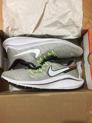 Nike vomero 14 talla 43
