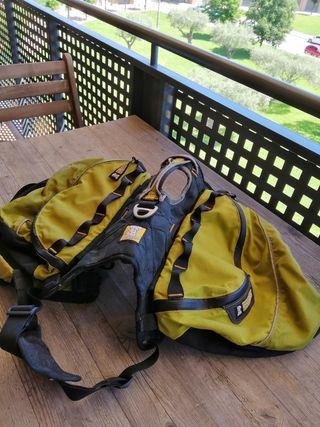 Arnés con mochila para perro raza grande