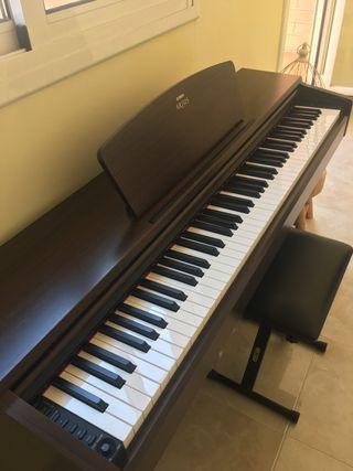 Piano Yamaha Arius YDP-140 + REGALO Banqueta