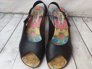 Sandalias piel N.40 sin uso
