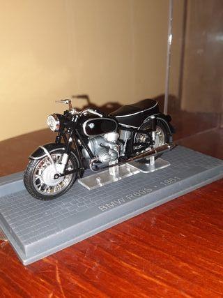Maqueta de moto BMW R69S 1961. Coleccionismo