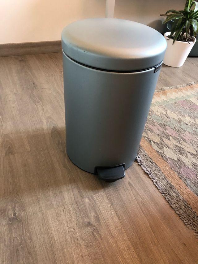 Cubo de basura Brabantia de 20L