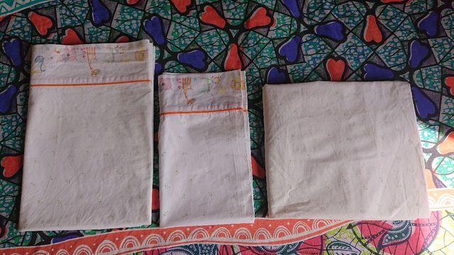 Juego de sábanas y protector de colchón(MINICUNA)
