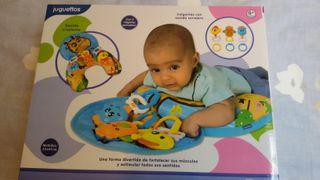 Cojín actividades bebé