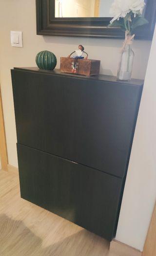 Muebles Besta en perfecto estado
