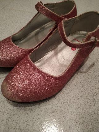 Zapatos tacón brillo 29