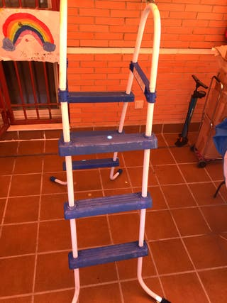 Escalera para piscina desmontable