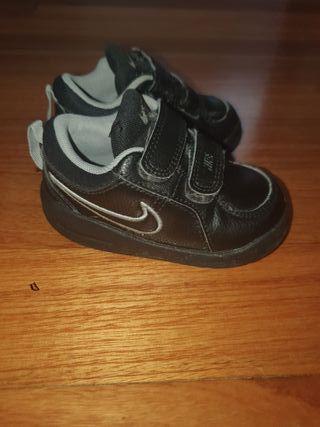 zapatillas como nuevas!!