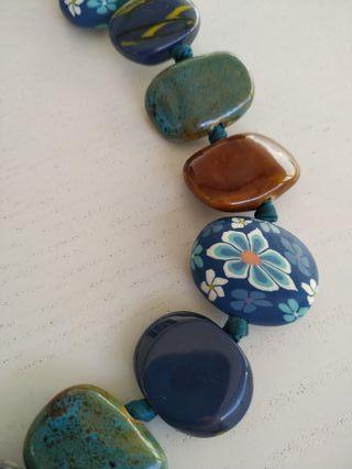 Colgante piedras y raso