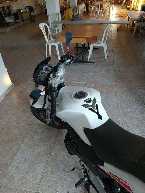 Motocicleta Macbor