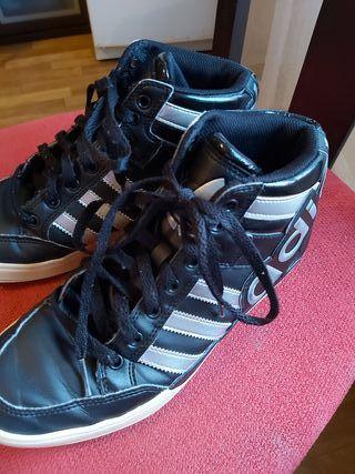 Vendo zapatos Adidas talla 38