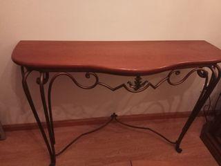 Mueble clasico madera y hierro. Recibidor Mesa