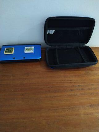 Nintendo 3DS XL azul y mas de doscientos juegos