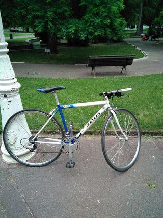 Bicicleta de carretera Zeus
