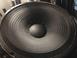 2 Altavoces graves Electro Voice 15 L