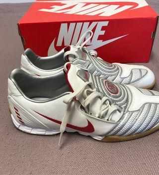 Botas fútbol sala Nike Total 90. Talla 45