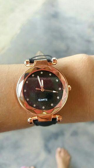 Reloj Rosa con cinta Cuero Negro