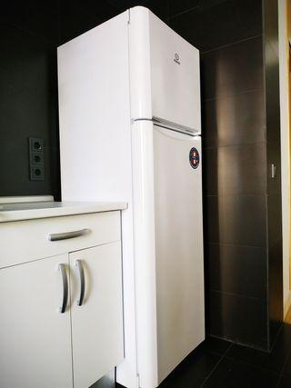 Frigorífico 2 puertas Indesit