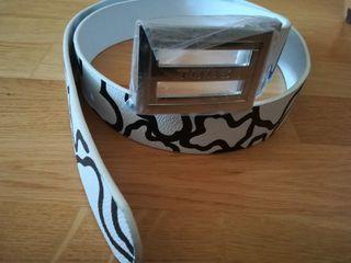 Cinturón nuevo de mujer.