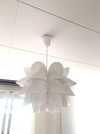 Lámpara techo. Regalo la bombilla de bajo consumo