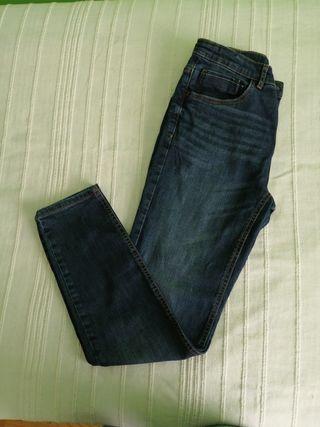 Pantalón vaquero de chico talla 13-14 de Zara