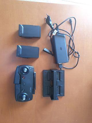 DJI Mavic Air, conjunto baterias mando, cargador.