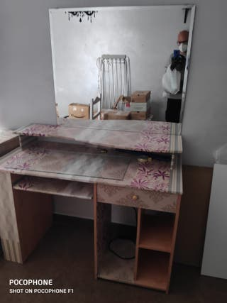 Mesa de escritorio habitacion+colgador