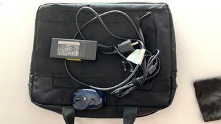 Portátil Acer con accesorios