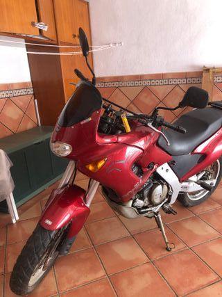 Moto Aprilia Pegaso 650