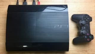 Consola PS3 Súper Slim 12 Gb . Completa