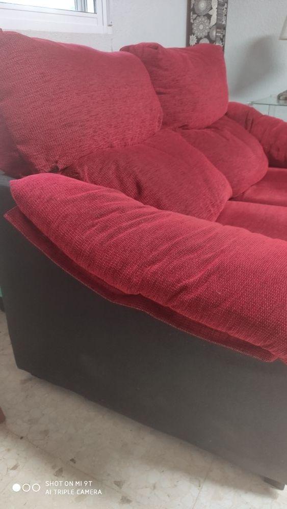 Sofa, precio algo negociable.