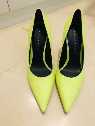 Zapatos de tacón de segunda mano por 10 € en Molino de La