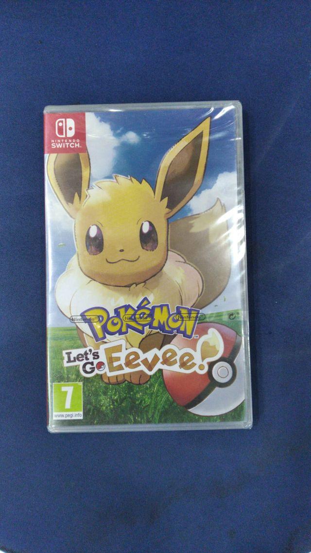 Pokemon Let's go Eevee Nintendo Switch nuevo TIEND