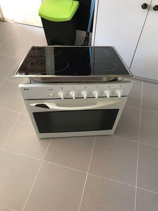 Conjunto horno y vitroceramica.