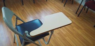Sillas escolares plegables con mesa
