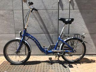 Bicicleta plegable alemana con entrada facil