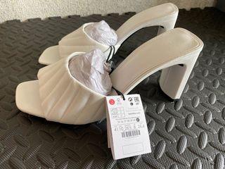 Sandalia beige bershka Nuevo