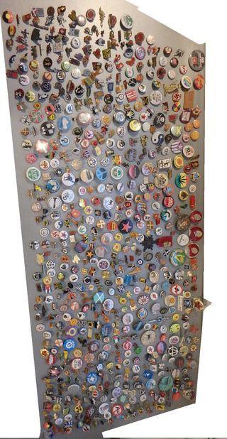 Gran colección de pins políticos y chapas movimien