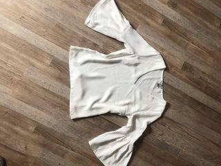 Blusa blanca nueva!