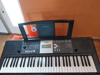 piano eléctrico YPT-230